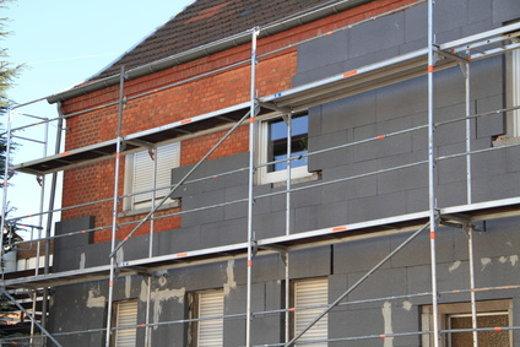 Fassadendaemmung spart Heizenergie © maho, fotolia.com