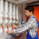 Brennwert-Anlagen regelmäßig warten spart Heizkosten