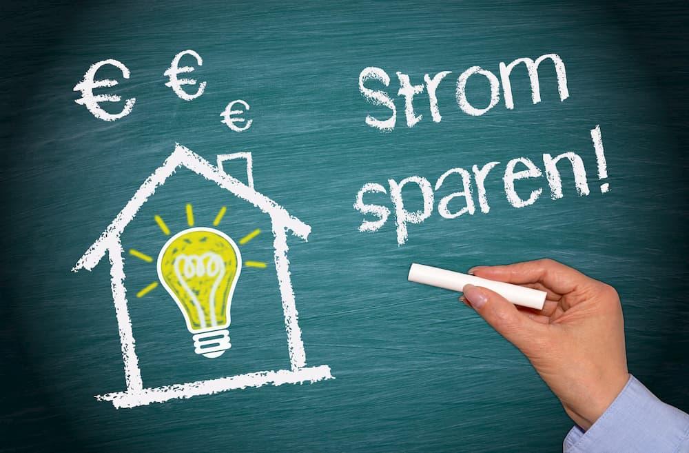 Strom sparen © Doc Rabe Media, stock.adobe.com