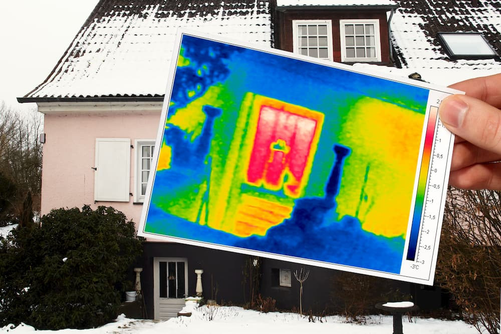 Wärmebild eines älteren Hauses © Ingo Bartussek, stock.adobe.com
