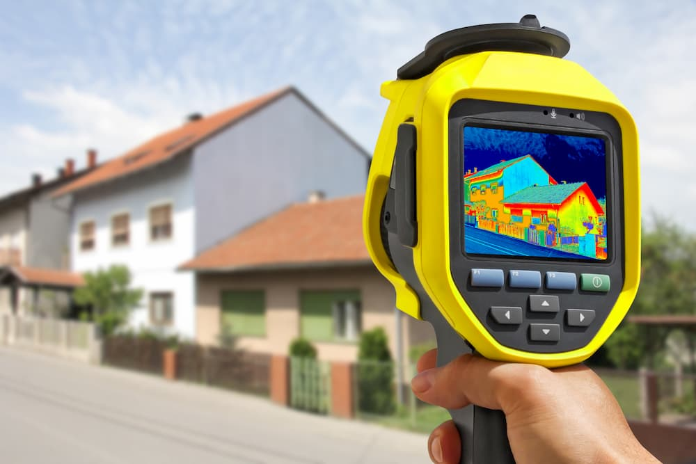 Wärmebildkamera im Einsatz © smuki, stock.adobe.com